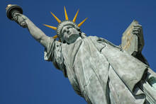 Statue Of Liberty  In Paris On The Ile Aux Cygnes, An Island In The Seine, Paris, France