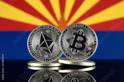 Foto op Aluminium Arizona Physical version of Ethereum (ETH), Bitcoin (BTC) and Arizona State Flag. 2 largest cryptocurrencies in terms of market capitalization.
