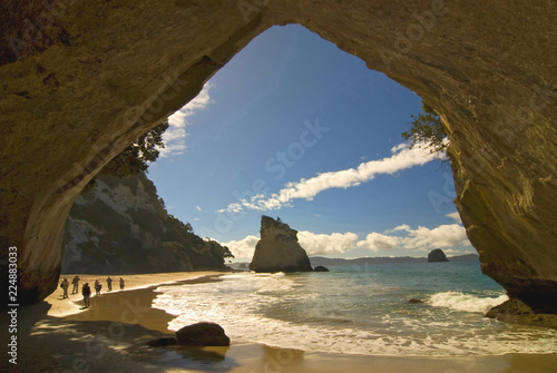 Montage in der Fensternische Cathedral Cove New Zealand, Coromandel Peninsula, Cathedral Cove.