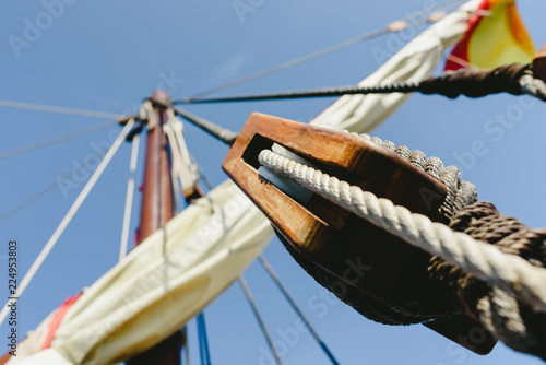 Foto op Aluminium Schip Rigging and ropes on an old sailing ship to sail in summer.