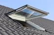 Leinwanddruck Bild Dachfenster an einem Wohnhaus, Außenaufnahme