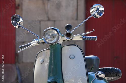 Scooter Precioso scooter años 60 blanco y verde