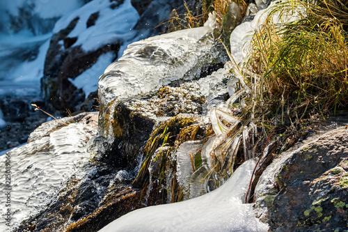 Keuken foto achterwand Verenigde Staten Icicles on Timberline Falls waterfall