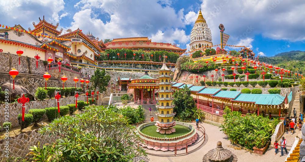 Fototapeta Kek Lok Si Temple panoramic view on Penang island, Georgetown, Malaysia