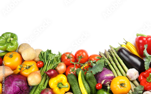 Tuinposter Groenten Many fresh ripe vegetables on white background, top view. Space for text