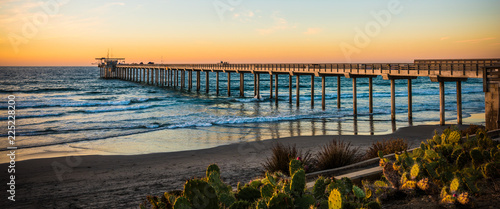 pier at sunset Canvas-taulu