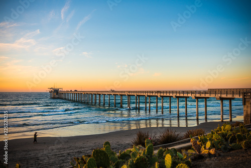 Fotografie, Obraz  pier at sunset