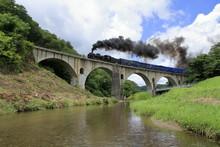 めがね橋 (岩手県遠野市)とSL