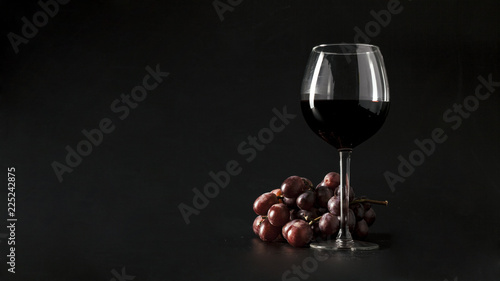 Foto op Canvas Alcohol red wine in glass