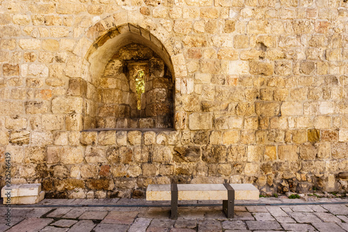 Tuinposter Oude gebouw wall of an ancient fortress old Jerusalem city.