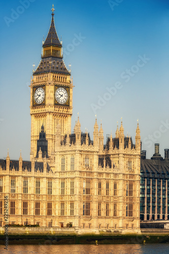 Foto  Big Ben and houses of parliament in London, UK