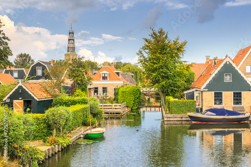 Keuken foto achterwand Kanaal Yndyk, Hindeloopen, province of Friesland, municipality Súdwest-Fryslân, Netherlands, september 3, 2017: View to houses and boats at canal Yndyk seen from bridge at Nieuwe Weide
