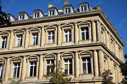 Photo sur Toile Europe Centrale Façade à colonnes à Paris, France