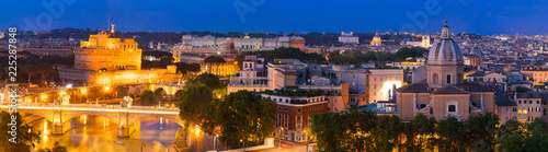 Staande foto Centraal Europa Panorama of Rome at night