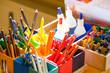 Mal- und Bastelsachen im Kindergarten