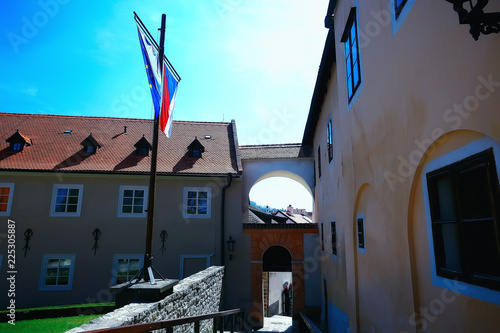 Photo  castle in czech republic / panoramic view ancient medieval castle in czech repub
