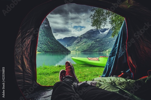 Spoed Foto op Canvas Kamperen Scenic Tent Spot in Norway