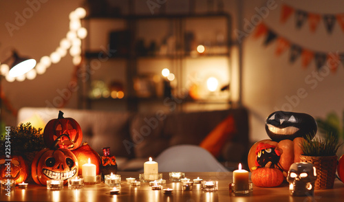 Papiers peints Akt interior of the house decorated with holiday of a halloween
