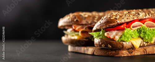 Photo sur Aluminium Snack Classic BLT sandwiches