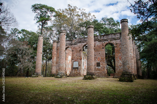 Foto op Plexiglas Oude gebouw Old Sheldon Church ruins in Yemassee South Carolina