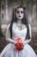 Creepy Dead Bride With Bloody ...