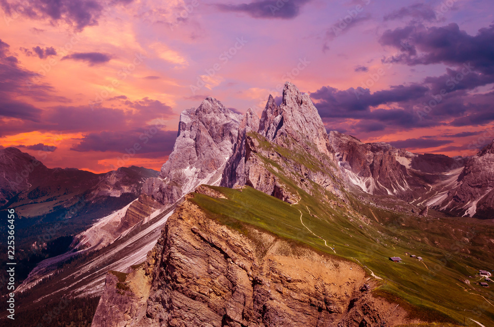 Fototapety, obrazy: Gruppo delle Odle at sunset, view from Seceda. Puez Odle massif in Dolomites mountains, Italy, South Tyrol Alps, Alto Adige, Val Gardena, Geislergruppe