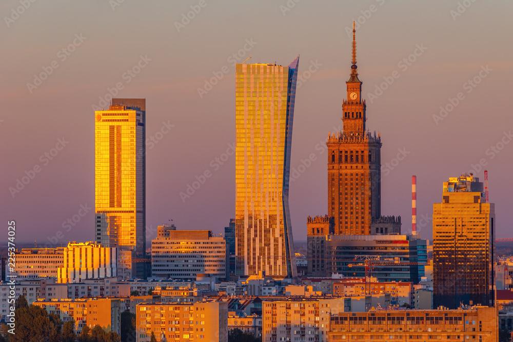Fototapety, obrazy: Centrum Warszawy podświetlony na czerwono