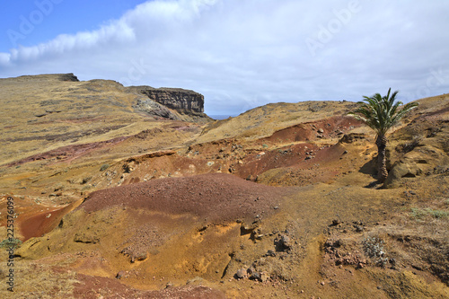 Spoed Foto op Canvas Blauwe hemel Desert landscape at the Ponta de Sao Lourenco, the eastern part of Madeira Island, Portugal
