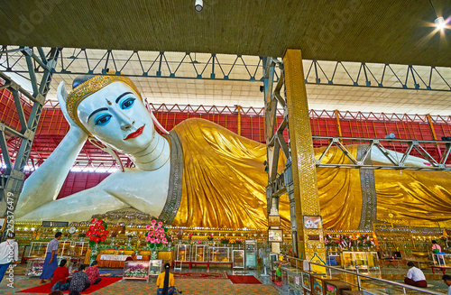 Photo  Giant Reclining Buddha, Chaukhtatgyi Temple, Yangon, Myanmar