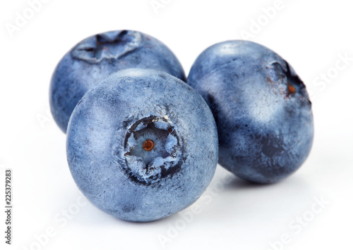 close-up view of fresh blueberry isolated on white background Poster Mural XXL