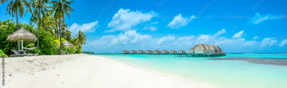 Fototapety, obrazy: Overwater bungalow in the Indian Ocean