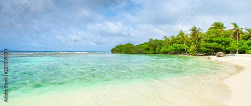 Foto auf Leinwand Tropical strand Beautiful sandy beach in uninhabited island