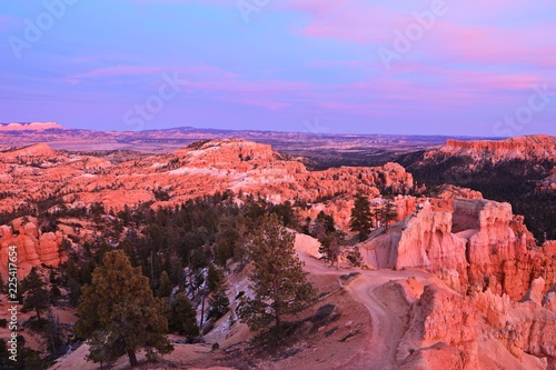 Foto op Plexiglas Crimson bryce canyon at sunset