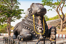 Nandy Statue