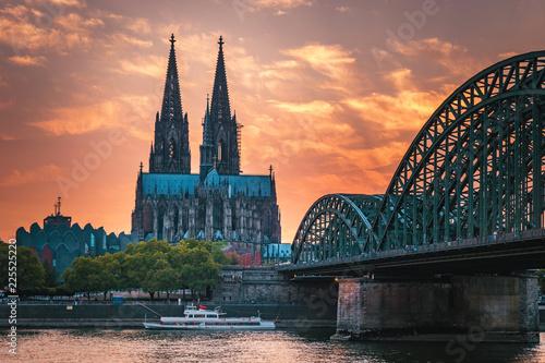 Plakat Katedra w Kolonii i most Hohenzollernów, Kolonia, Niemcy