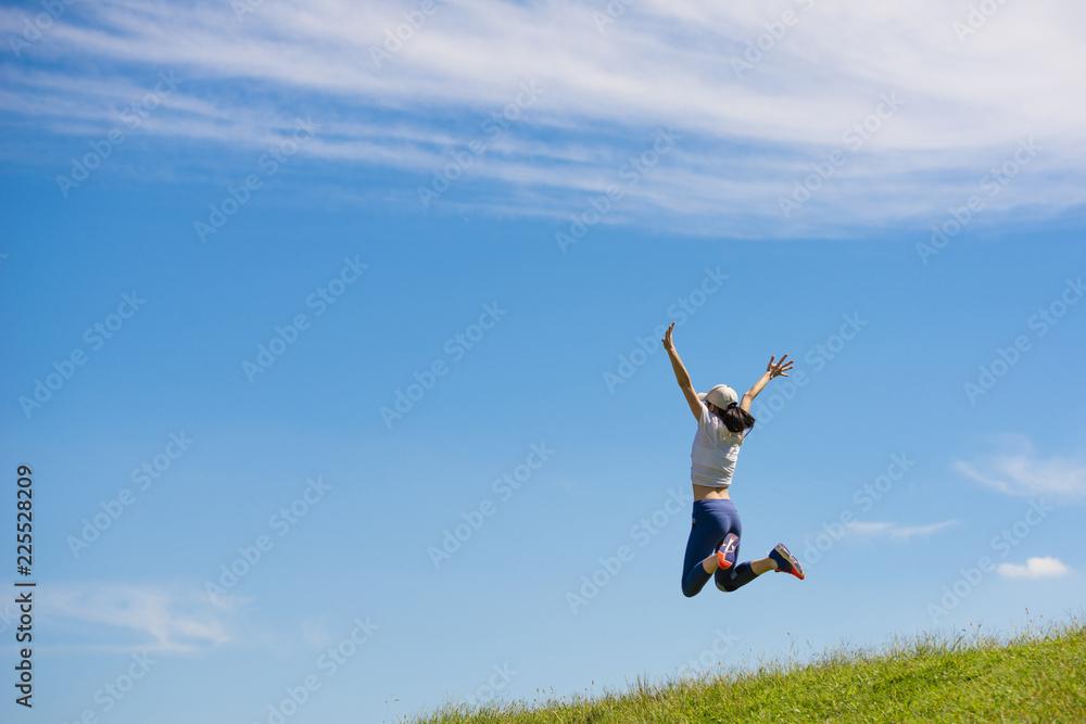 Fototapety, obrazy: ジャンプする女性