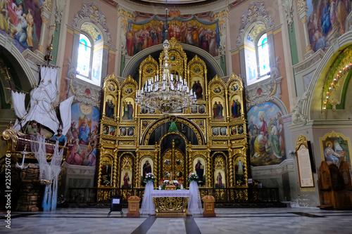 Ukraina, Hoszów – jedno z najważniejszych grekokatolickich sanktuariów maryjnych na Ukrainie, wnętrze kościoła - fototapety na wymiar