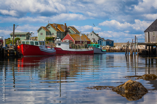 Obraz na plátně Summer view of fishermen houses and harbor at Peggy's Cove, Nova Scotia, Canada