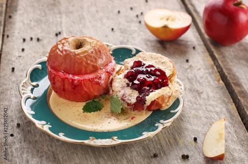 Fototapeta Jabłko pieczone z konfiturą obraz