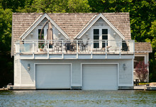Luxury Boathouse With Rooms On The Top