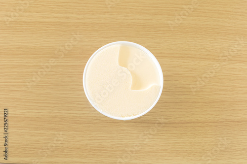 Foto op Plexiglas カップに入ったバニラアイス