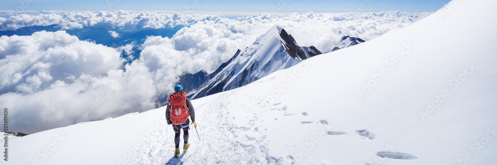 Fototapety, obrazy: Trekking to the top of Mont Blanc mountain in French Alps