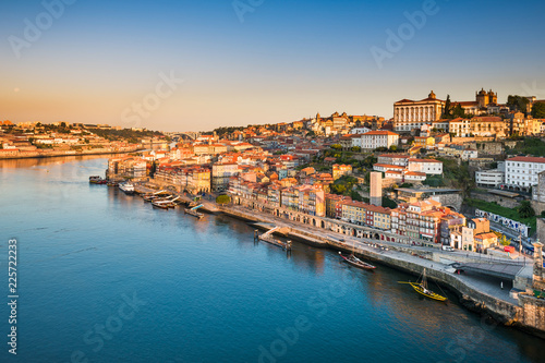Staande foto Europese Plekken Skyline of Porto, Portugal at sunrise