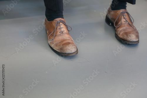 汚れた靴 Fototapet
