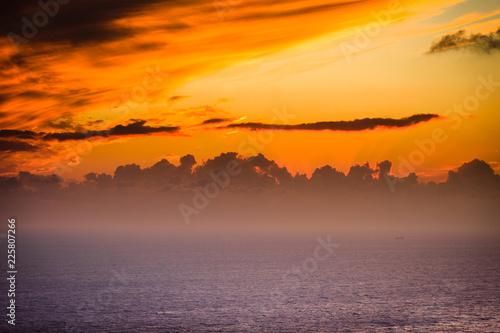 Keuken foto achterwand Oranje eclat Sunset or sunrise over sea surface