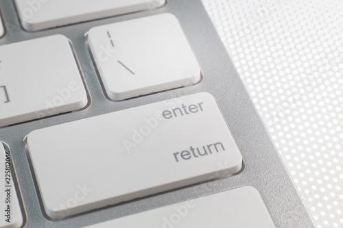 Fotografía  The enter silver modern keyboard close up image.