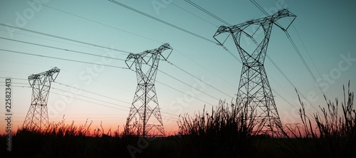 Fotografia The evening electricity pylon silhouette
