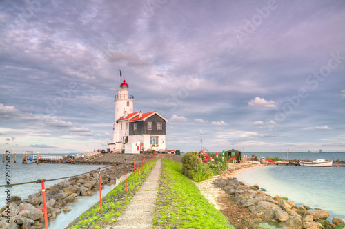 Fotobehang Paarden Lighthouse
