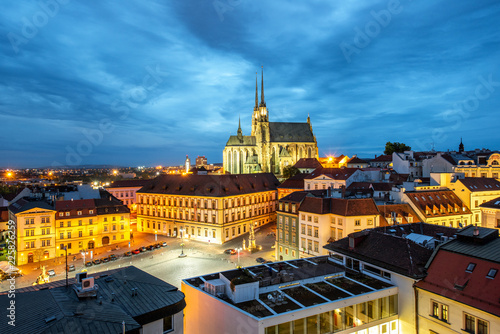 Pinturas sobre lienzo  Brno night cityscape view, Czech republic