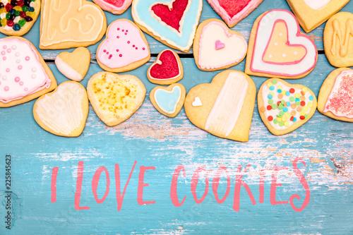 Feine Kekse oder Plätzchen, Form Herz mit Text englisch I love Cookies